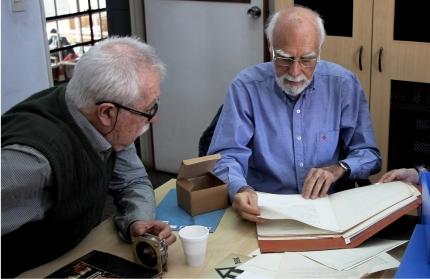 Visita de Lorenzo Amengual y Víctor de Zavalía al archivo von Reichenbach