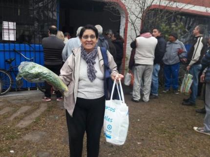 se entregaron un total de 1425 canastas en siete Centros de Jubilados