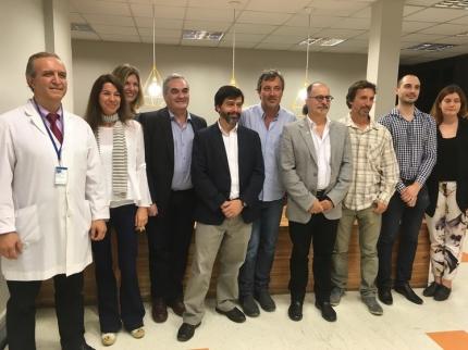 Presentacioacuten del paacutencreas artificial - Patricio Colmegna segundo desde la derecha - Foto Conicet