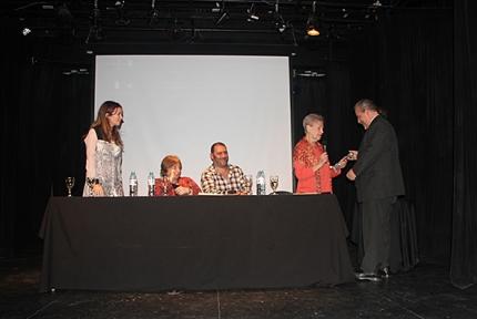 Alfredo Alfonso entrega el Premio